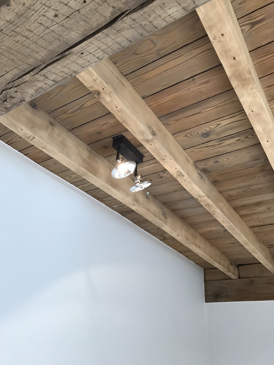 Renovatie Vierkantshoeve Behouden Houten Plafond