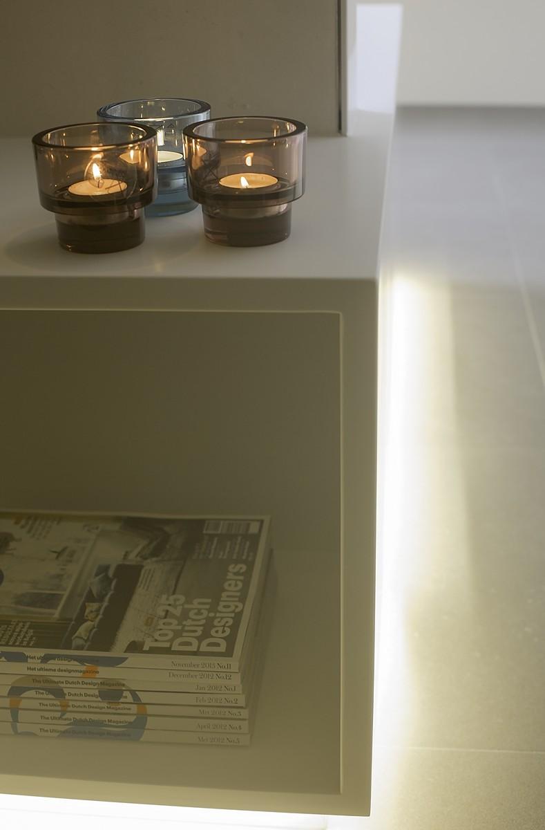Verbouwing Woning Badkamer Detail Bad-TVmeubel Corian Deur Slaapkamer